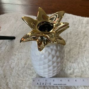 Accents - White & Gold Ceramic Pineapple Floral Vase NEW